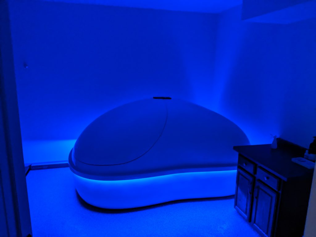 Float therapy room
